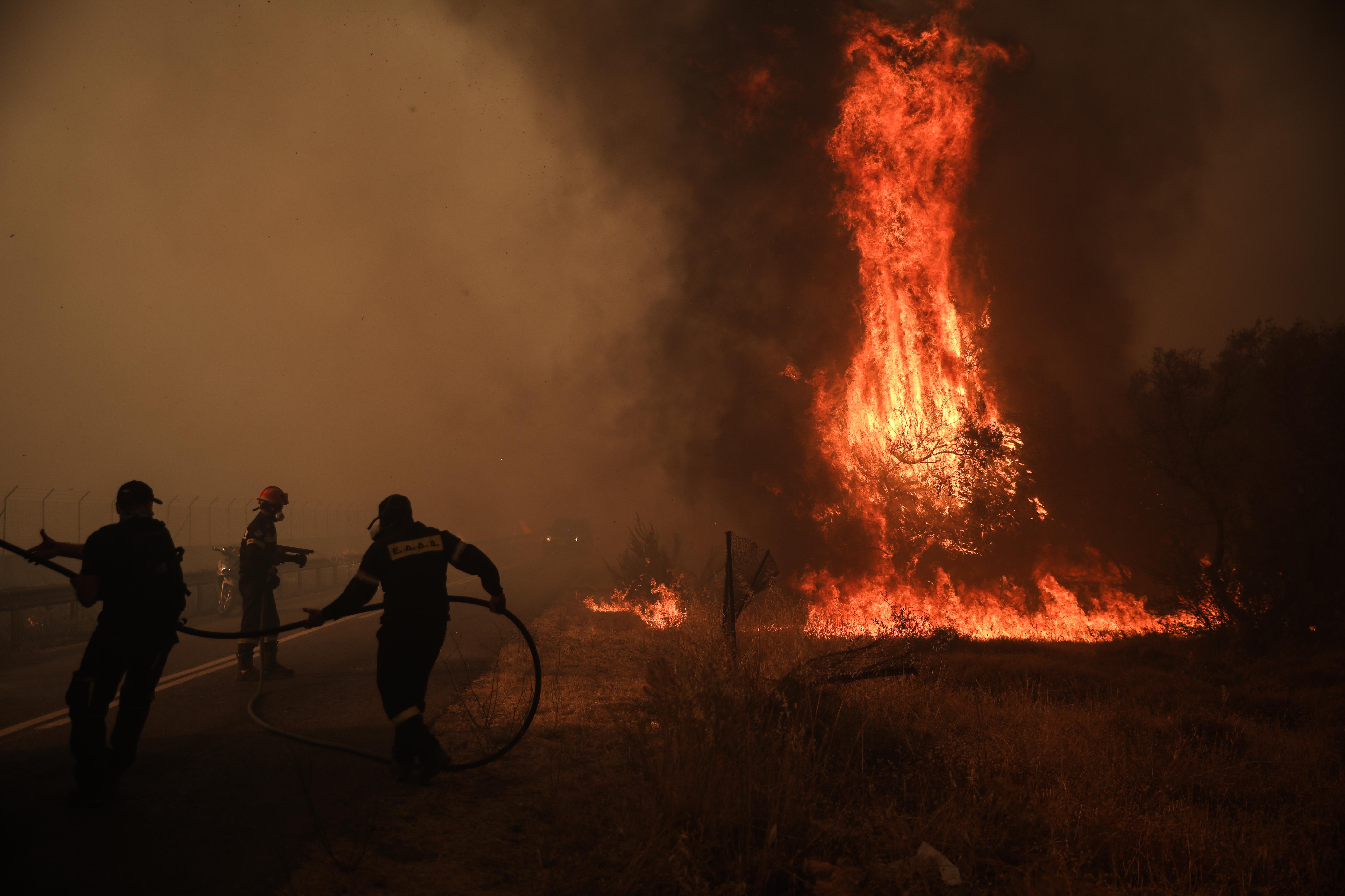Προειδοποίηση Ζερεφoύ: «Δεν έχουμε δει ακόμη μεγάλες πυρκαγιές»