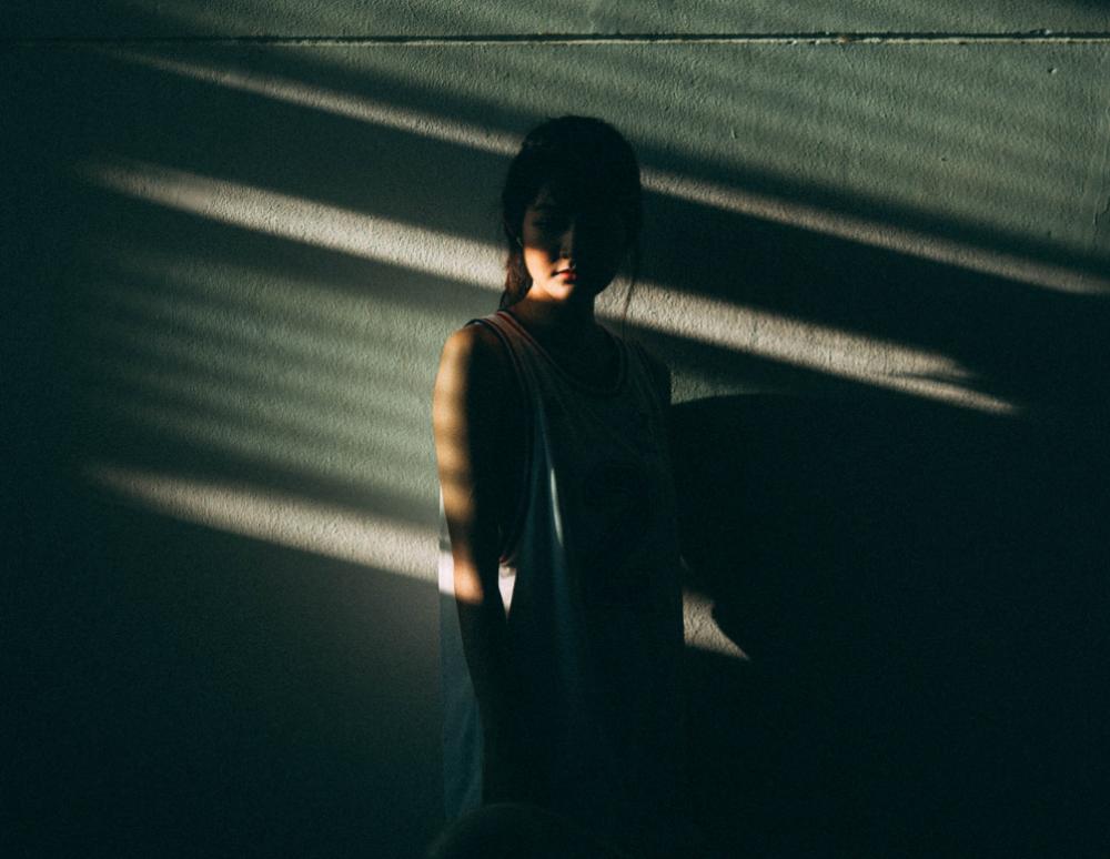 «Γιατί δεν έφυγε νωρίτερα;»: Μετά από μία ακόμη γυναικοκτονία, θα έπρεπε να ξέρουμε καλύτερα