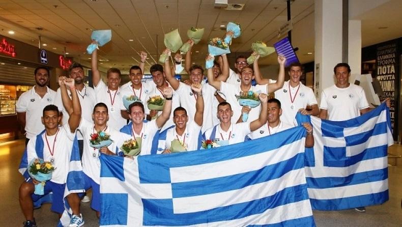Κ17 πόλο: Επέστρεψαν στην Αθήνα οι «αργυροί» πρωταθλητές Ευρώπης (pics)