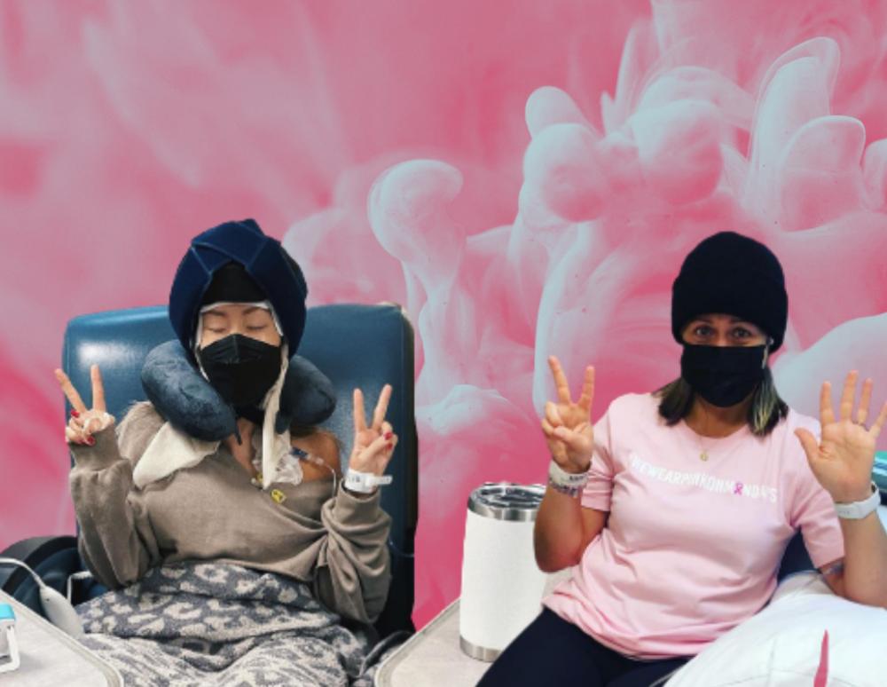 Cold capping: Τι είναι και πώς βοηθά γυναίκες με καρκίνο του μαστού να μη χάσουν τα μαλλιά τους